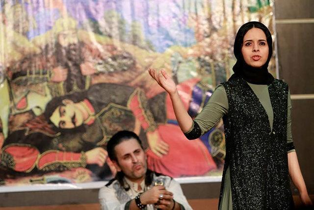هنرنمایی بانوی نقال برای مخاطبان ایرانی و اوکراینی