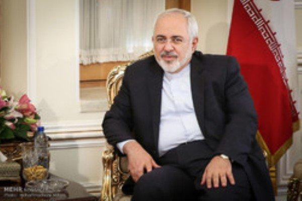 ظریف با همتایان خود در 4 کشور دیدار و مصاحبه کرد