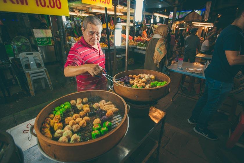 آشنایی با غذاخوری های خیابان جالان آلور کوالالامپور