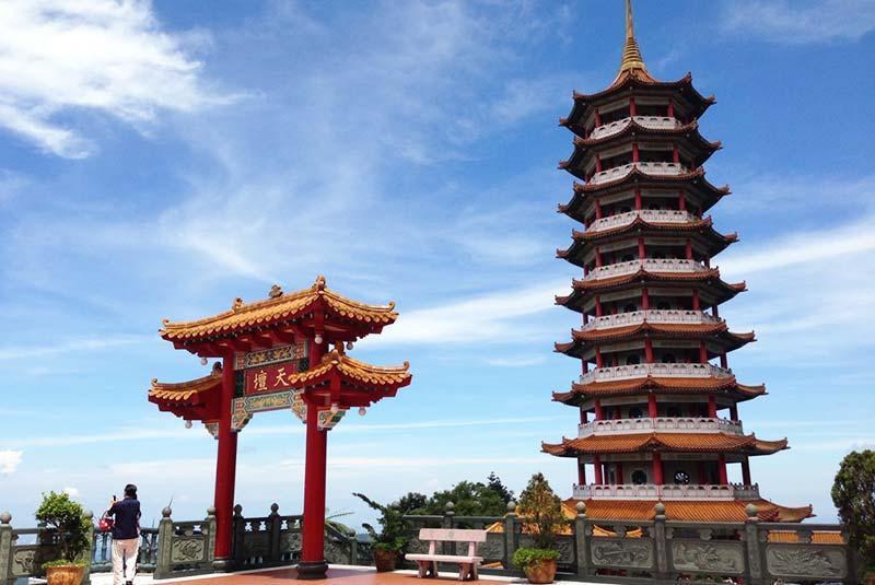 آشنایی با معبد غارهای چین سو مالزی