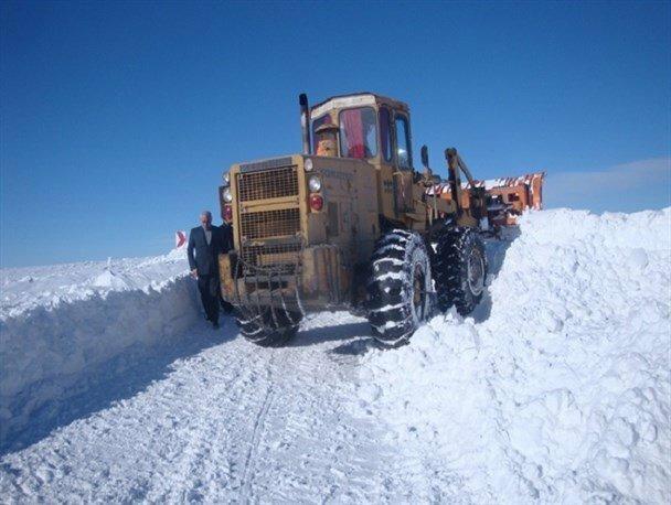 جاده الیگودرز- شول آباد بسته شد، محورهای اصلی استان باز هستند