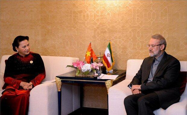 لاریجانی: آماده گسترش همکاری های مالی با ویتنام هستیم