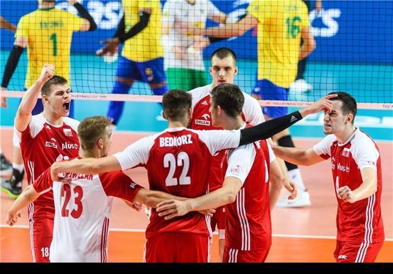 دیدار محبت آمیز والیبال، پیروزی لهستان مقابل هلند در اولین حضور لئون