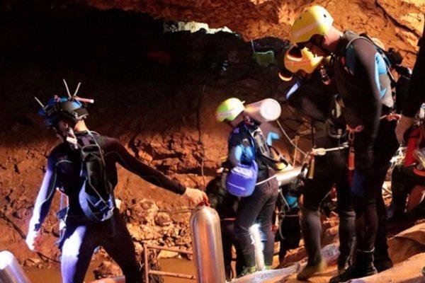 نجات بچه ها از غار تایلند فیلم می گردد، اتفاقی پرالتهاب