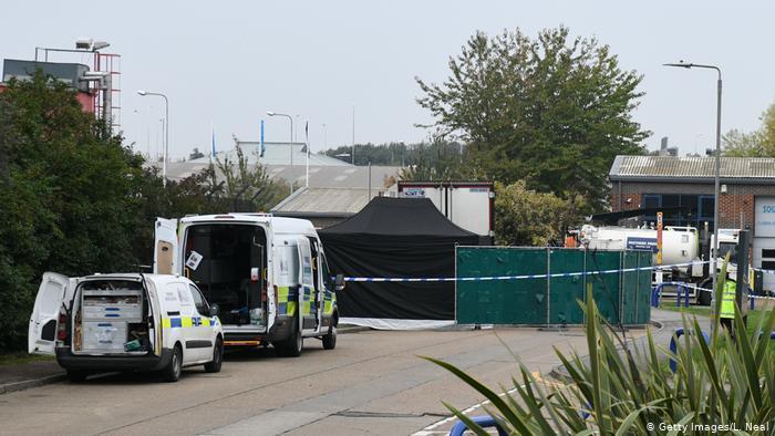 کشف 39 جسد در کانتینر کامیون در جنوب بریتانیا