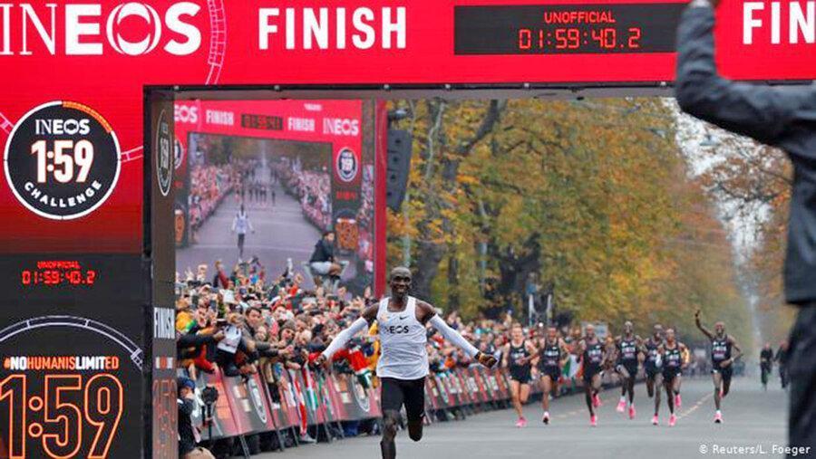 الیود کیپچوگه؛ نخستین انسانی که مسافت ماراتن را زیر دو ساعت دوید