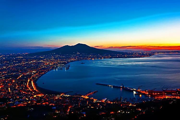 راهنمای سفر به ناپل؛ ایتالیا