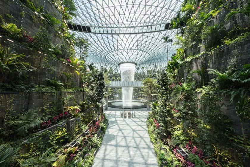 پروژه جواهر فرودگاه چانگی سنگاپور افتتاح شد