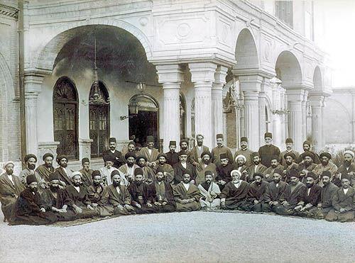 مجلس اول در برابر خواسته های شاهنشاهی