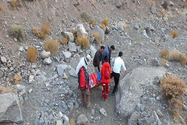 سقوط بانوی کوهنورد از ارتفاعات کوهپایه