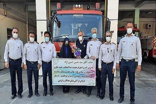کارگر آتش نشانی کیف یک میلیارد تومانی را به صاحبش برگرداند