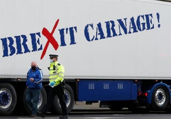 اعتراض ماهیگیران انگلیسی به عواقب برگزیت مقابل دفتر نخست وزیری