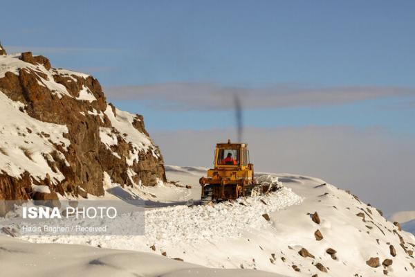 برف و کولاک 192 راه روستایی را در قزوین مسدود کرد