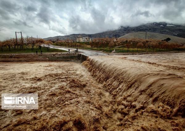 خبرنگاران هواشناسی آذربایجان غربی نسبت به طغیان رودخانه ها هشدار داد