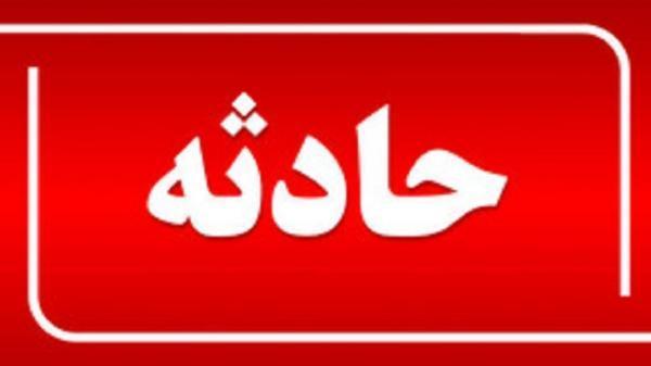 برخورد صاعقه در استان قزوین باز هم حادثه آفرید، شکسته شدن 26 اصله درخت در قزوین
