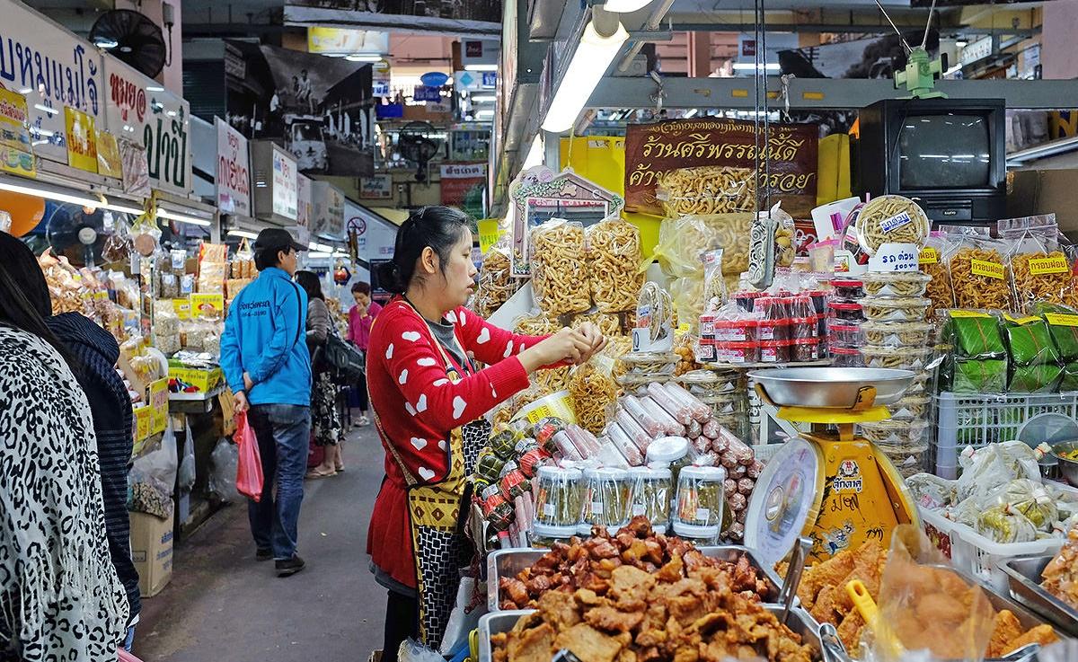 بازار محلی واروروت چیانگ مای